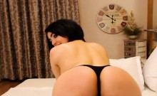 Busty Webcam Babe solo Masturbation