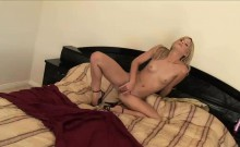 Sexy Courtney toys with her wet pussy