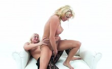 Strap-on Pussy Fucking With Jessica Nyx