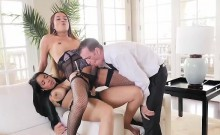 Havana Ginger Pegs T-girl While Guy Sucks T-girls Cock With