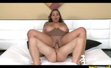 Sellena getting fucked missionary while her fucking huge