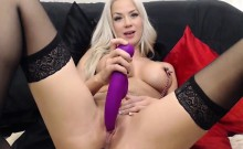 Gorgeous Natural Blonde Girl in Webcam chat