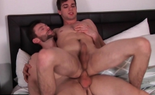 Bromo - Dennis With Johnny Rapid At Johnny Go